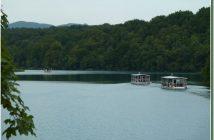 Bateaux sur le lac Kozjak Plitvice