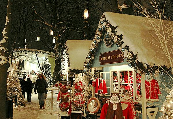Copenhague Parc Tivoli village de noel