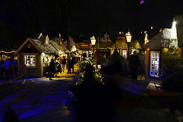 Copenhague village de noel parc tivoli