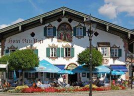 Oberammergau, un beau village typique aux façades peintes en Bavière