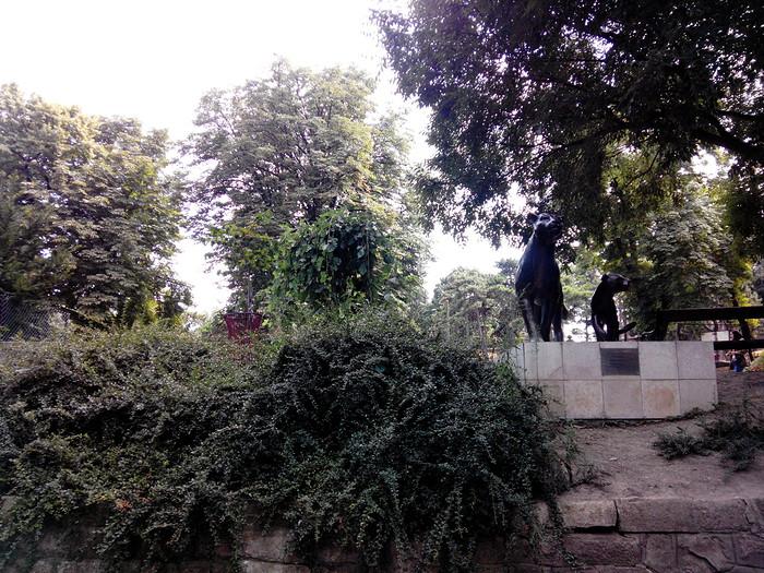 Statues zoo de belgrade