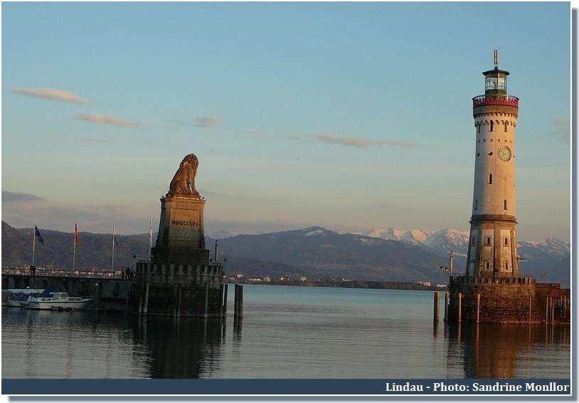 Ville de Lindau Statue du Lion et phare sur le Bodensee