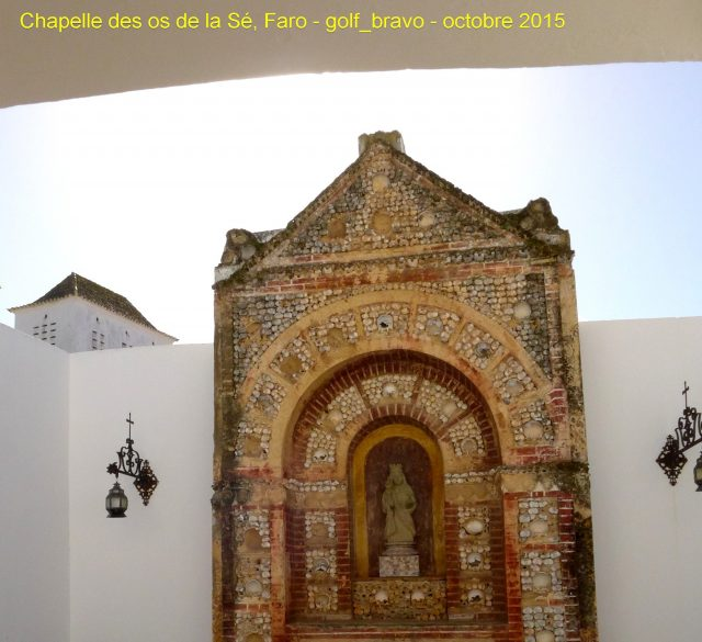 Algarve: chapelle des os de la cathédrale
