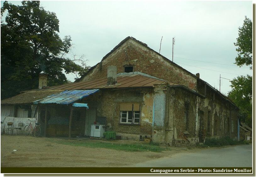 Maison dans la campagne de serbie centrale