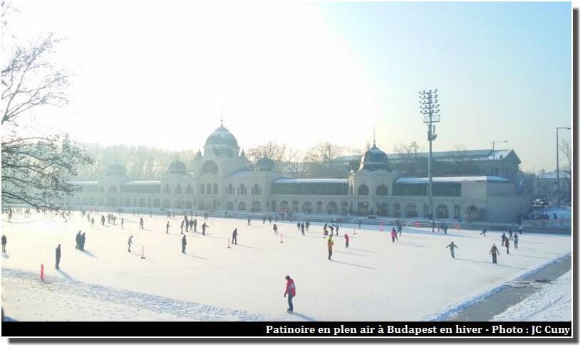 Budapest Patinoire en plein air en janvier