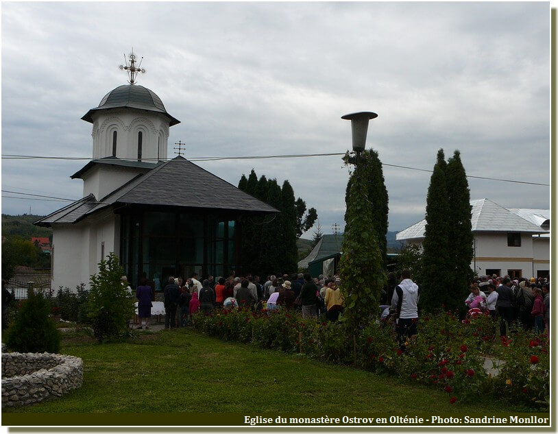 Eglise monastere Ostrov