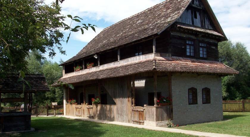 Etno selo Stara Lonja