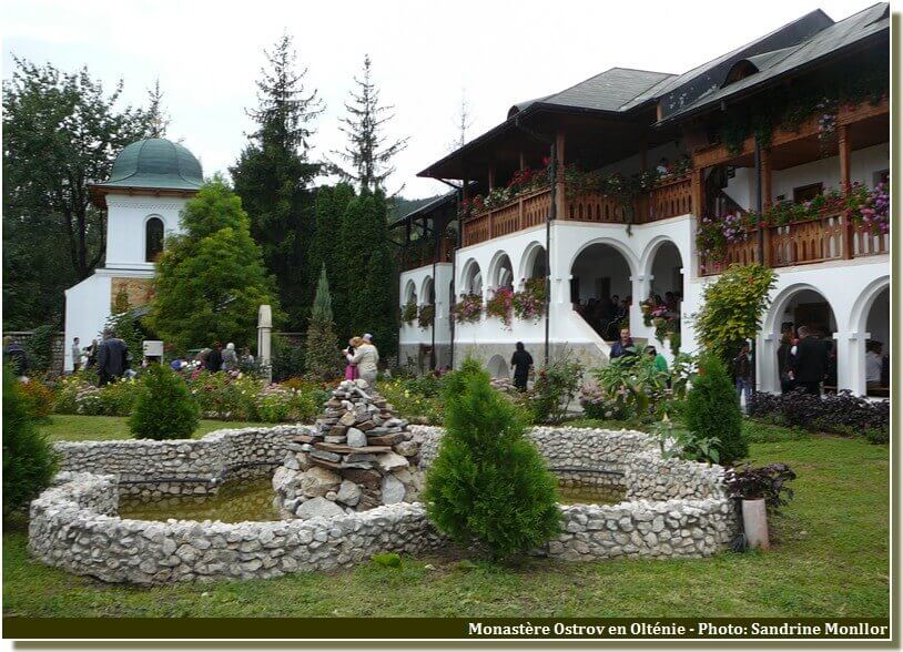 Monastere Ostrov en Roumanie
