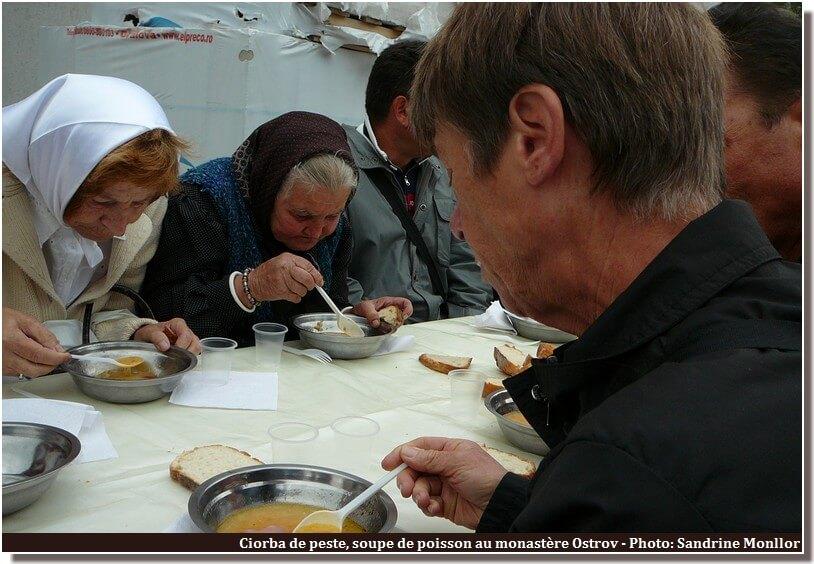 Soupe de poisson repas du monastere Ostrov