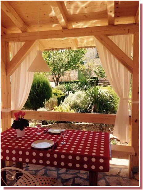 Kalpic terrasse des repas en été