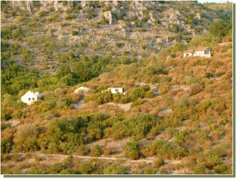 Maisons détruites aux environs de Trebinje