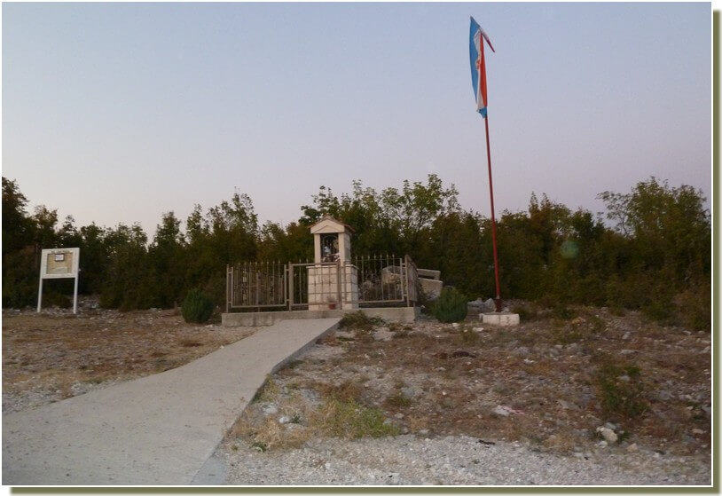 Monument aux morts croate dans la confédération croato musulmane de bosnie