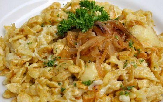 Spätzle au fromage, Käsespätzle (Recette allemande, bavaroise)
