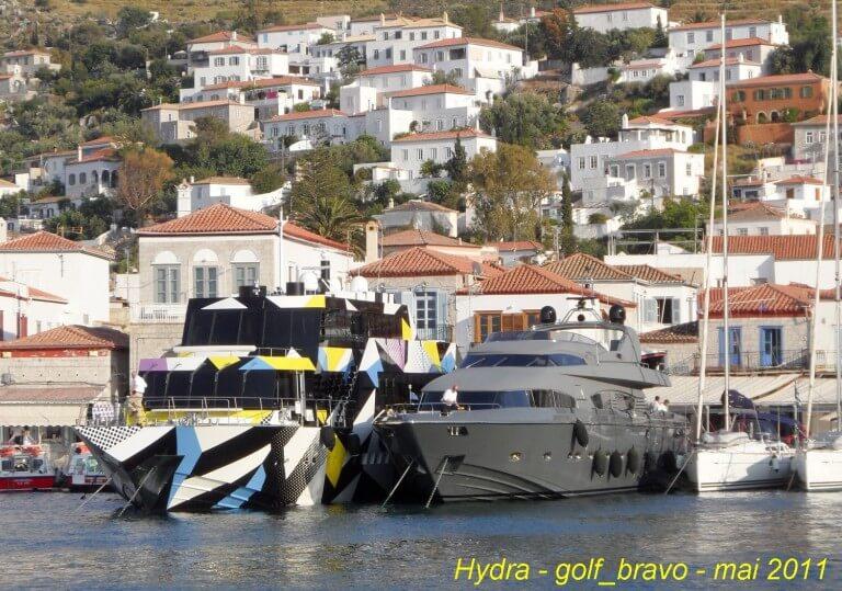 Hydra yatchs au port