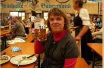 Fruhlingsfest de Munich Prost à la Festhalle Bayerland