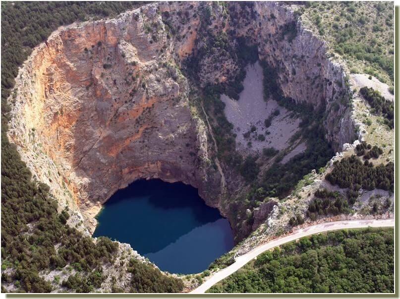 Imotski lac rouge crveno jezero