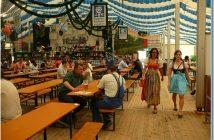 Muenchener Fruhlingsfest jeunes bavaroises en dirdnl