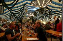 Munich Fruhlingsfest consommateurs de bière sous la tente Augustiner Brau