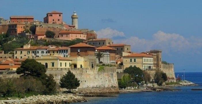 Ile d'Elbe en famille et fourgon aménagé : la douceur de vivre Toscane (Italie)