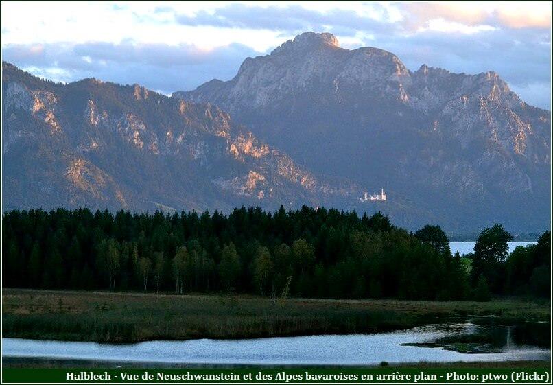 Halblech vue du château Neuschwanstein et des Alpes Bavaroises