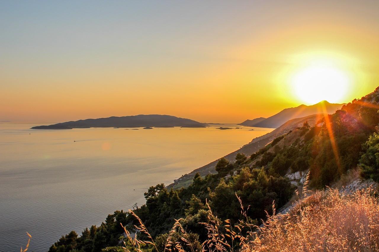 Lever du soleil dans la presqu'île de Peljesac
