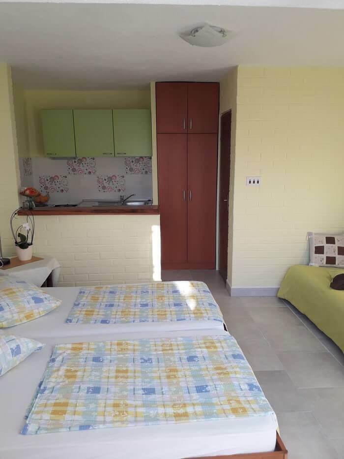Studio à Podaca dès 35€ (Dalmatie, riviera de Makarska) : une location calme même en été 3
