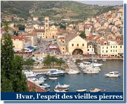 Ville de Hvar port