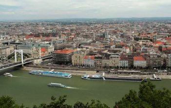Budapest et le Danube depuis les collines de Buda
