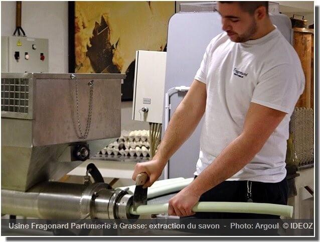 Grasse usine Fragonard extraction du savon