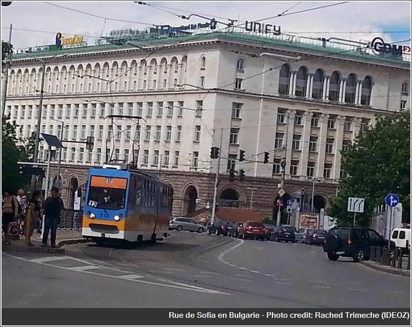Sofia Tram et rue