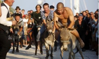 Course des ânes saljanske uzance sur l'île de Dugi otok