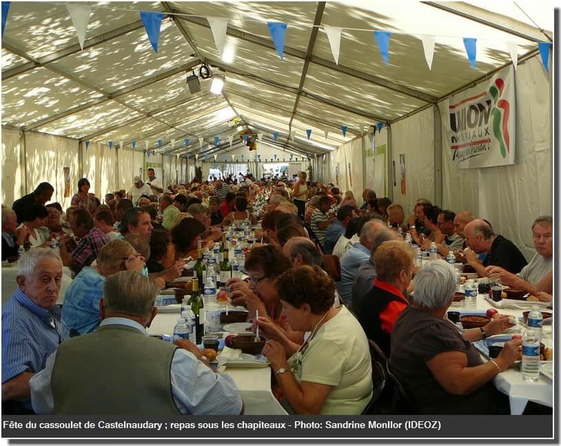 Fête du Cassoulet de Castelnaudary 2009 repas sous le chapiteau