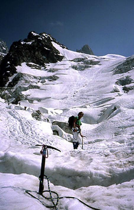 Mont Blanc descente dans les crevasses