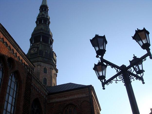 Riga Clocher et lampadaire