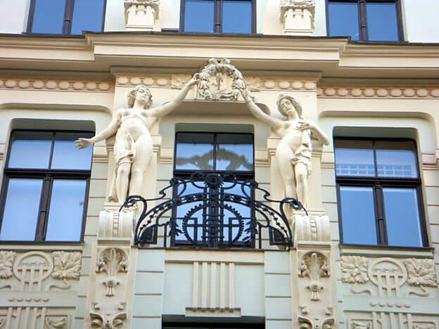 Riga statues Art Nouveau sur une façade