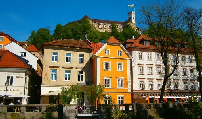 Ljubljana chateau depuis la rivière