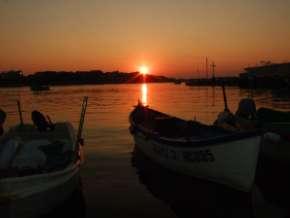 Nesebar coucher de soleil sur la mer noire en Bulgarie