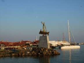 Nesebar statue