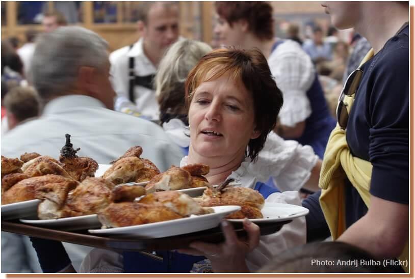 oktoberfest fete de la biere de munich demi poulet