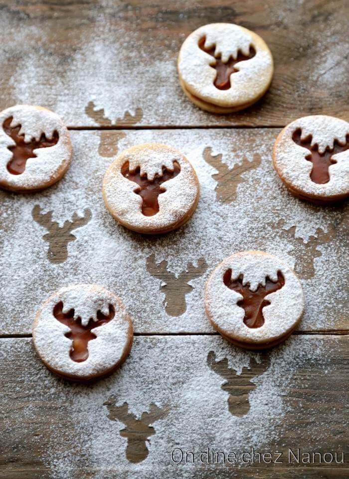 Bredele sablés de Noël fourrés à la confiture de lait avec une tête de renne