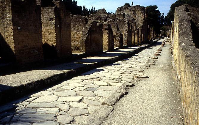 Grande rue Herculanum