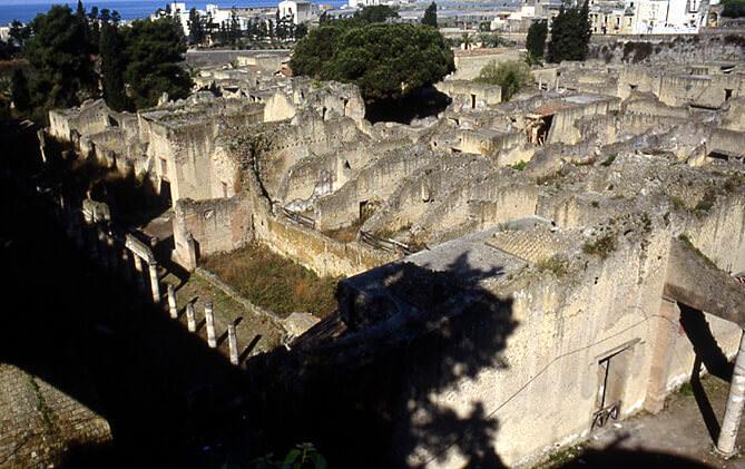 Herculanum panorama de la cité antique
