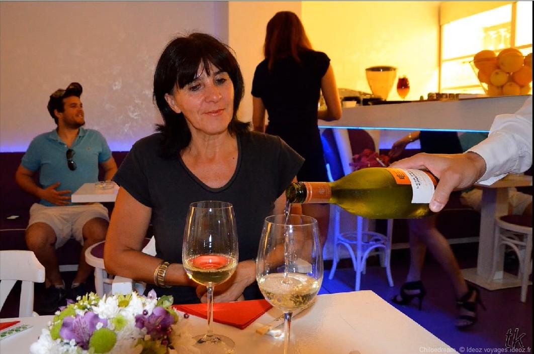 dégustation de vin au restaurant à Belgrade