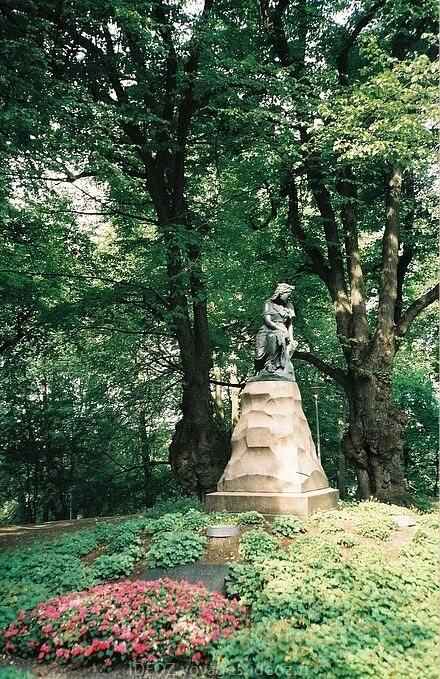 tallinn Statue de Linda