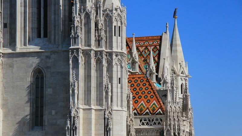 Budapest église Saint Matthias toiture