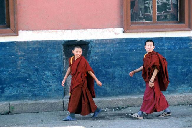 Mongolie moinillons du monastere Gandan