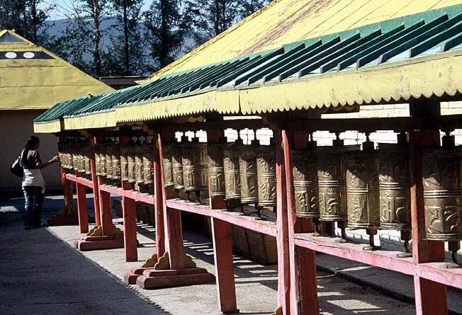 Oulan Bator monastère bouddhiste de gandan moulins à prières