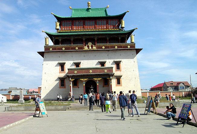 Oulan Bator monastere Gandan entrée