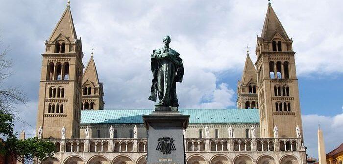 Visiter Pécs, la plus  méditerranéenne des villes hongroises