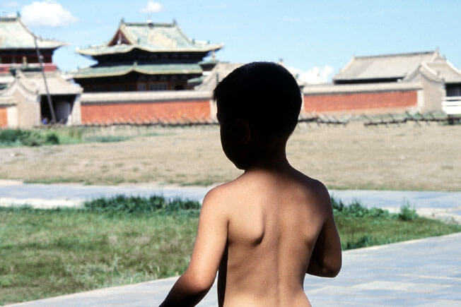 erdeni zuu enfant mongol torse nu